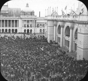 Crowds at the 1893 World's Columbian Exposition
