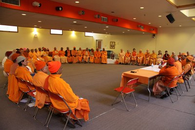 Swami Suhitanandaji addressing the International Monastics Conference